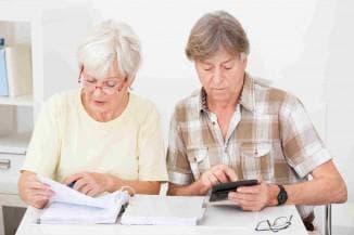 платят ли пенсионеры налог на транспортное средство